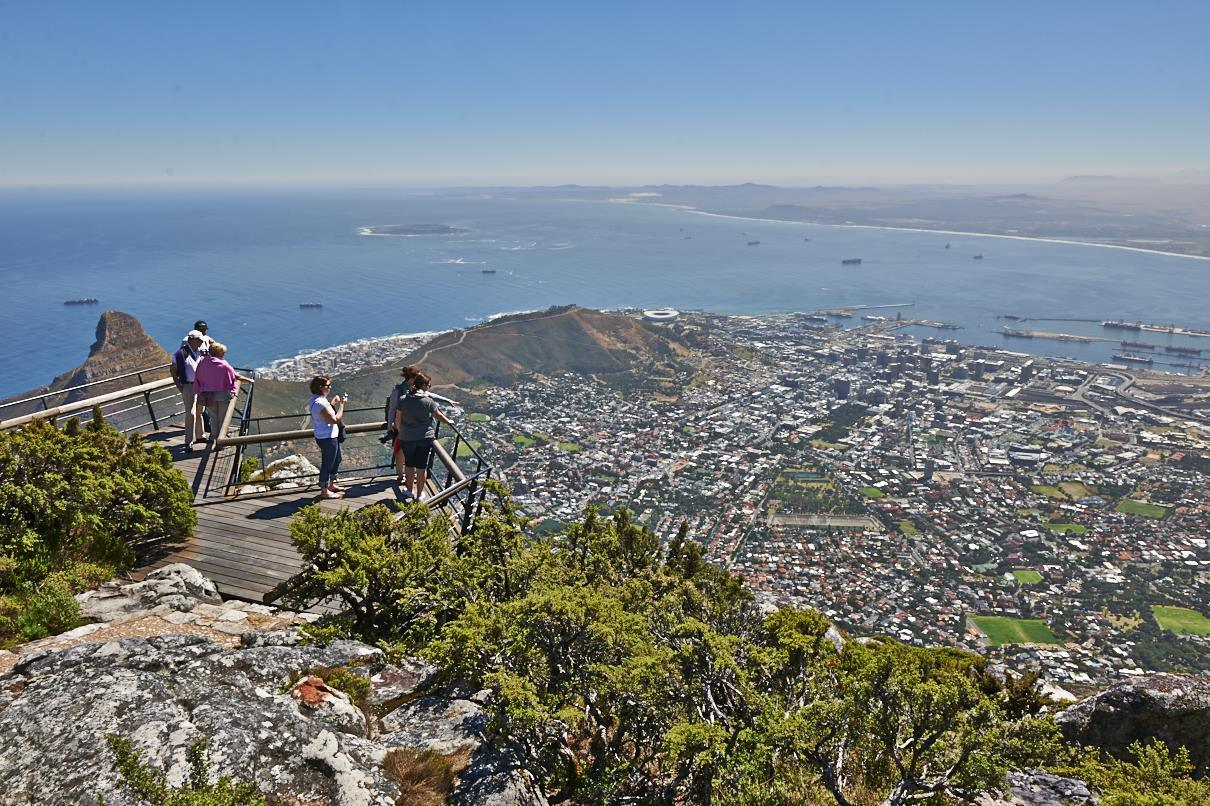 Blick vom Tafelberg auf  Kapstadt, Westkap, Suedafrika |view from Table Mountain onto Cape Town, Western Cape, South Africa|